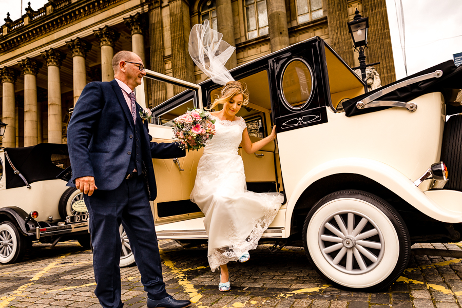 Real wedding at Leeds Town Hall captured by Heather Butterworth Photography (1 of 1)