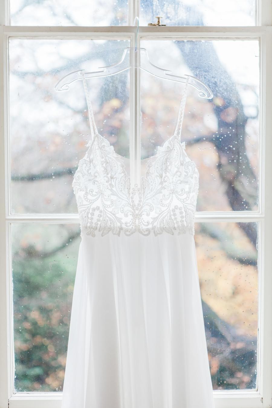 Starry celestial wedding inspiration (with a sprinkling of Disney magic) - Amanda Karen Photography (3)