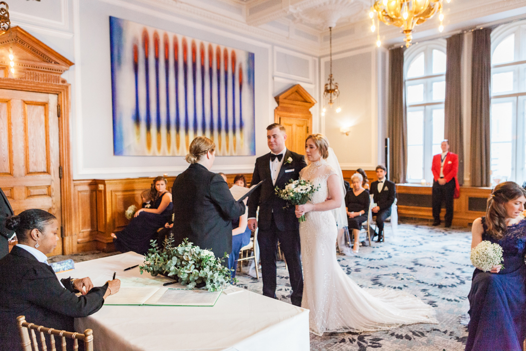 Rebecca & Tom's gloriously glamorous Andaz Hotel wedding, with Amanda Karen Photography (30)