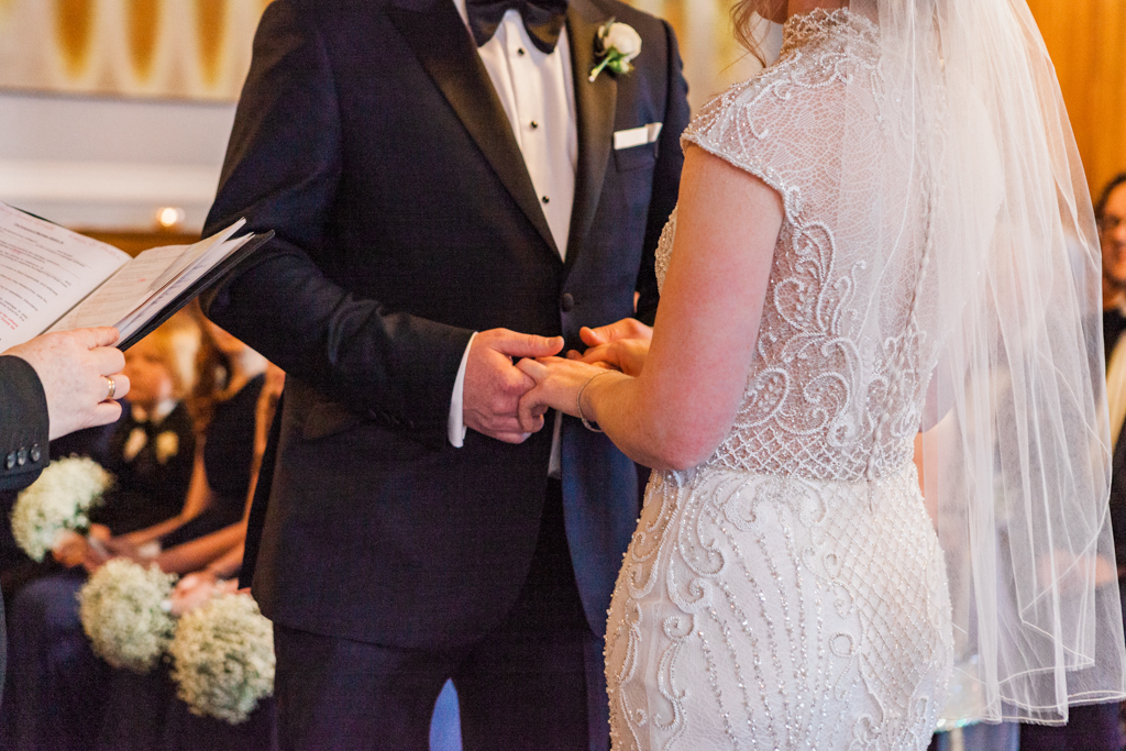 Rebecca & Tom's gloriously glamorous Andaz Hotel wedding, with Amanda Karen Photography (28)