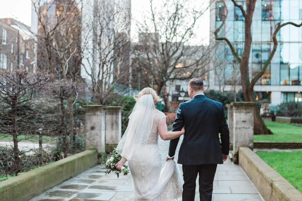 Rebecca & Tom's gloriously glamorous Andaz Hotel wedding, with Amanda Karen Photography (11)