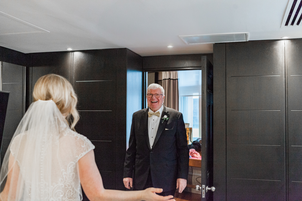 Rebecca & Tom's gloriously glamorous Andaz Hotel wedding, with Amanda Karen Photography (39)