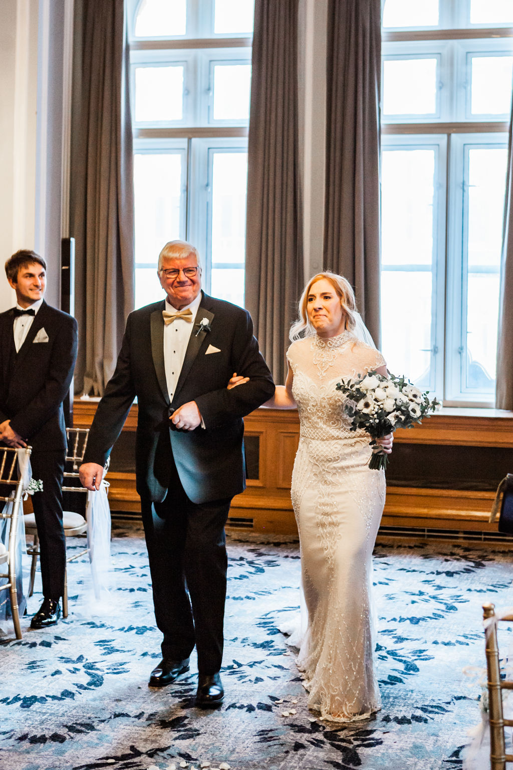 Rebecca & Tom's gloriously glamorous Andaz Hotel wedding, with Amanda Karen Photography (32)