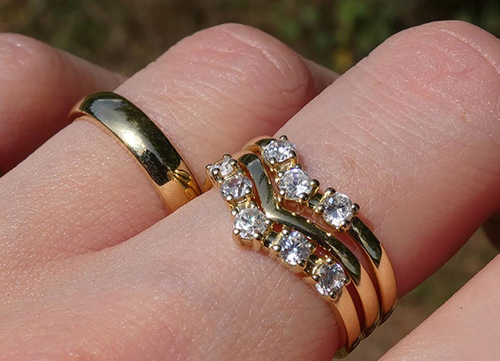 bespoke wedding and engagement rings by Sarah Heulwen Lewis (2)