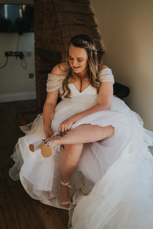Danielle & Lewis's beautiful 2020 wedding story, with Grace Elizabeth (9)
