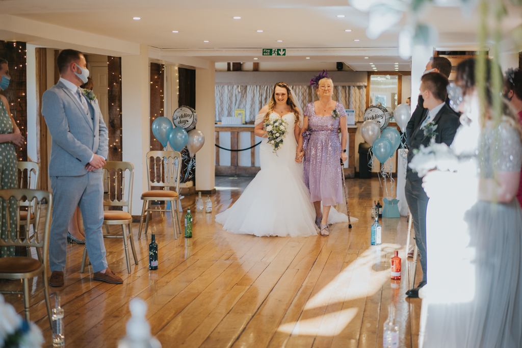 Danielle & Lewis's beautiful 2020 wedding story, with Grace Elizabeth (17)