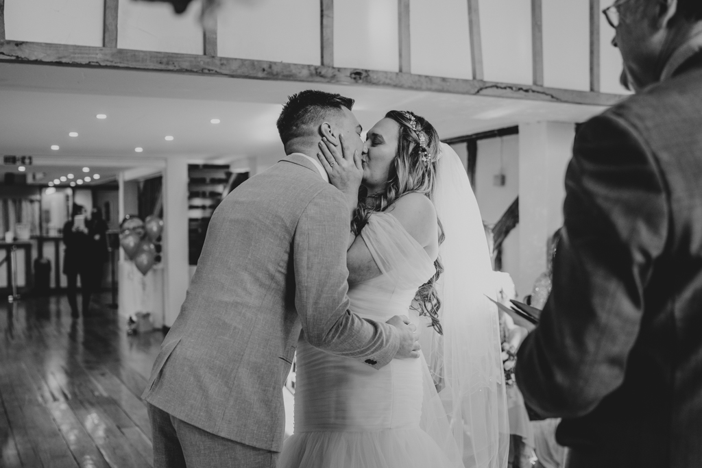Danielle & Lewis's beautiful 2020 wedding story, with Grace Elizabeth (22)