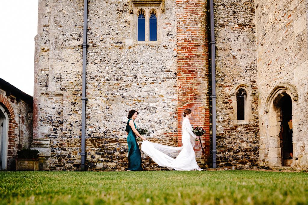 Hannah & Scott's stunning winter wedding at Pentney Abbey, with Rob Dodsworth Photography (19)