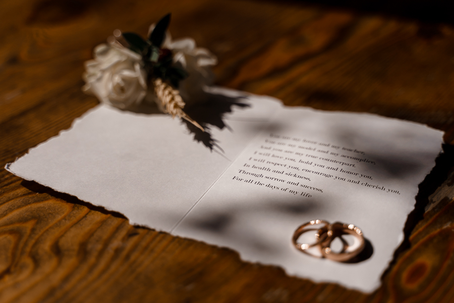 A loved-up Winchester city elopement - with adorable dogs! Photographer credit Katherine and her Camera (3)