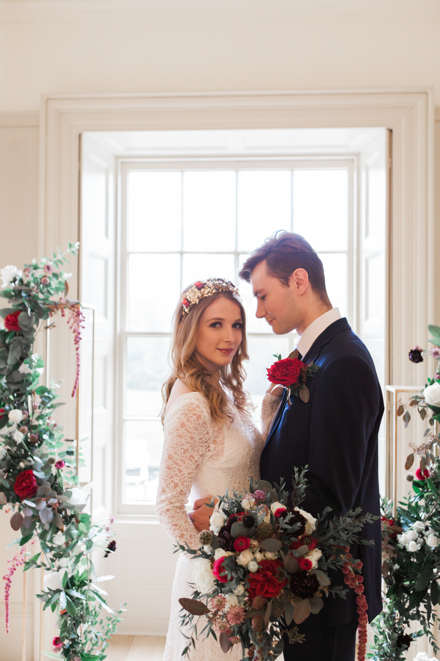 romantic red winter wedding inspiration, image credit Amanda Karen Photography