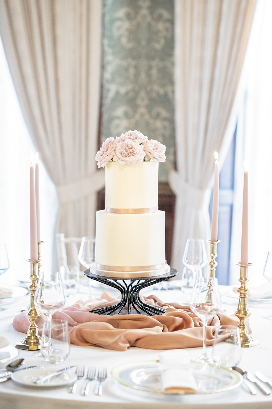 Cheshire wedding inspiration, image credit Victoria Amrose Photography on English-Wedding.com