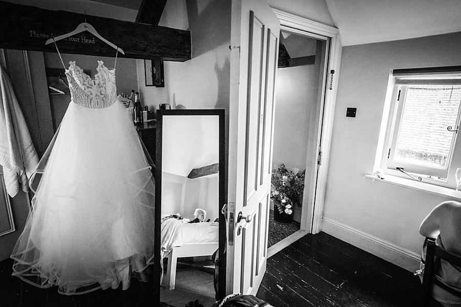 Dorset wedding photographer Linus Moran - Old Luxters Barn wedding photography