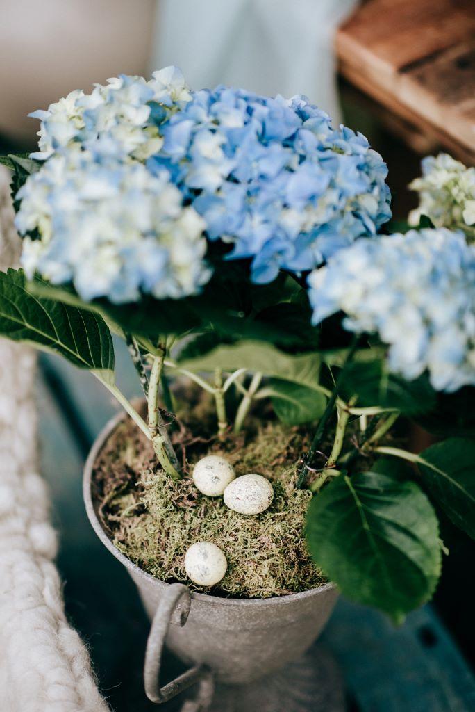 Easter wedding inspiration blog, image credit Fleur Challis Photography at E-Lope Kent