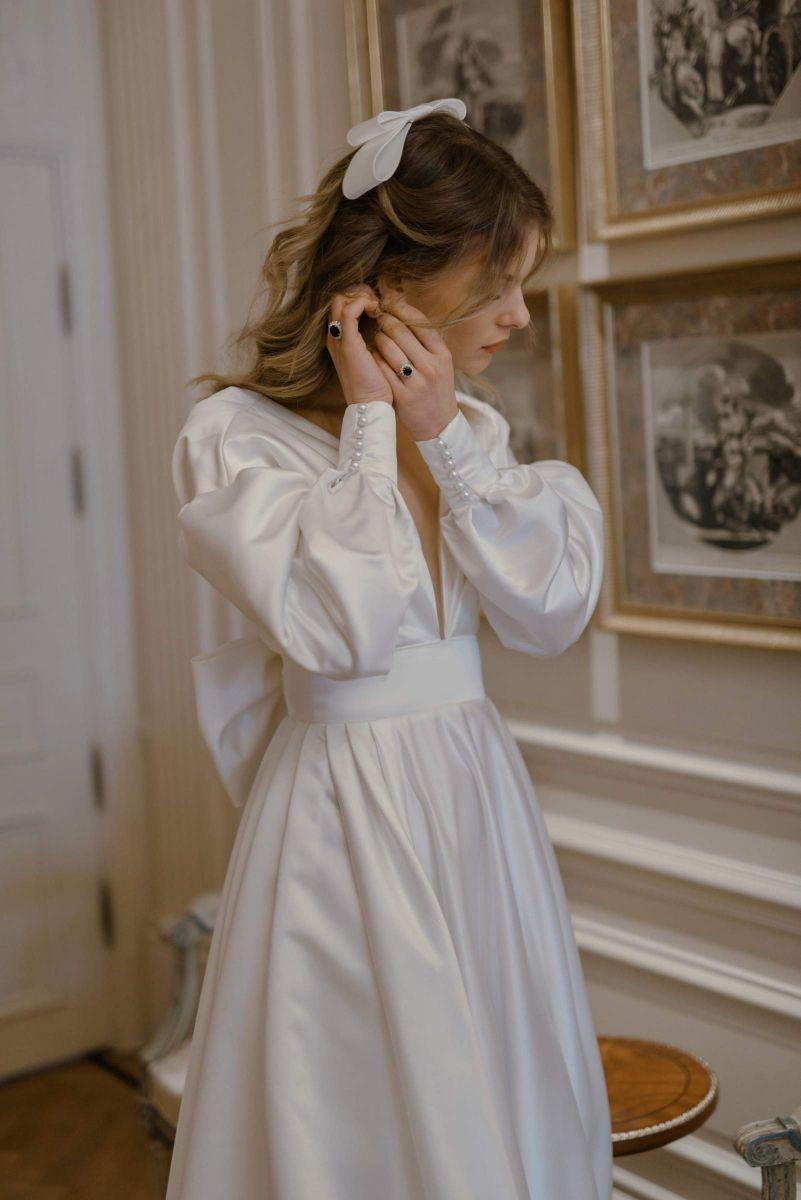 Lucy wedding dress in satin by Karin Rom