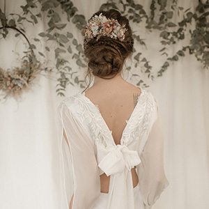 Jessica Turner Designs image of wedding dress back with v neck and bow