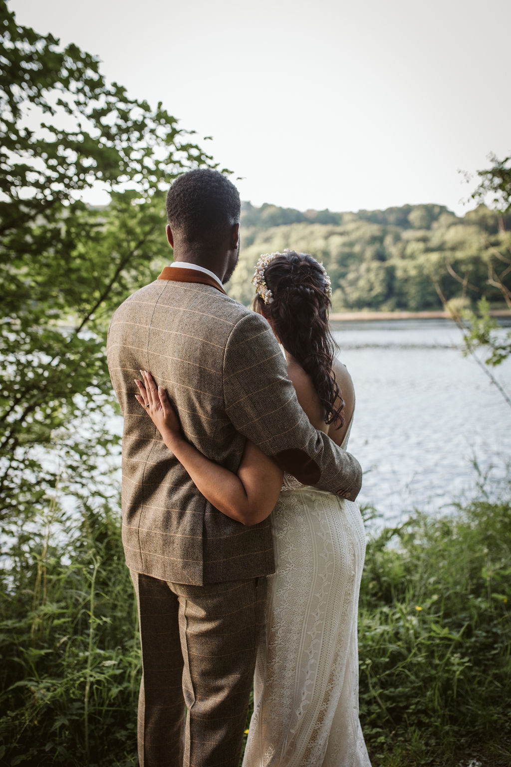 Peak District elopement inspiration captured by Hannah Brooke Photography